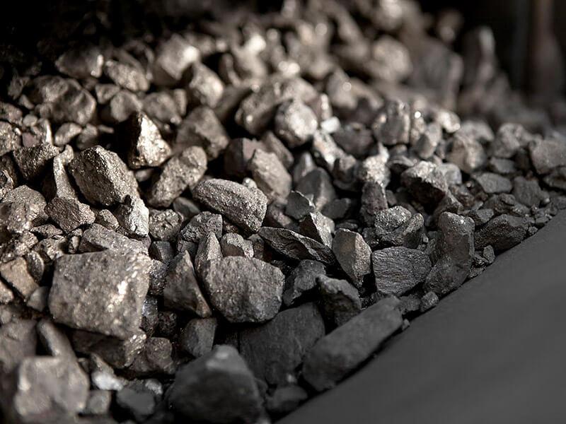 انتقاد رئیس کمیسیون اقتصادی مجلس از تفاوت قیمت سنگ آهن و فولاد
