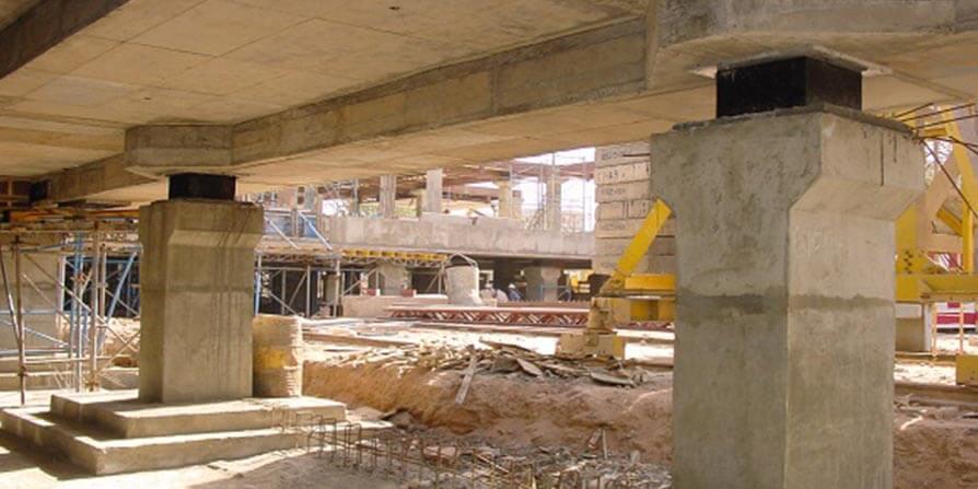 مقاوم سازی ساختمان با استفاده از جداسازهای لرزه ای