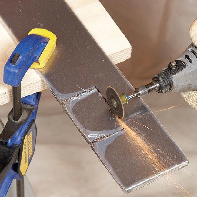 برش فولاد ضد زنگ با دیسک آسیایی