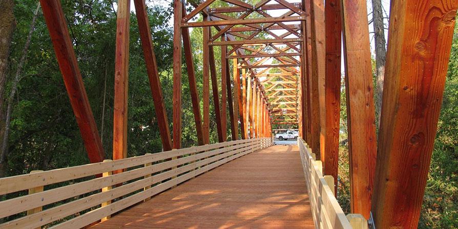 تصویر پل خرپایی چوبی