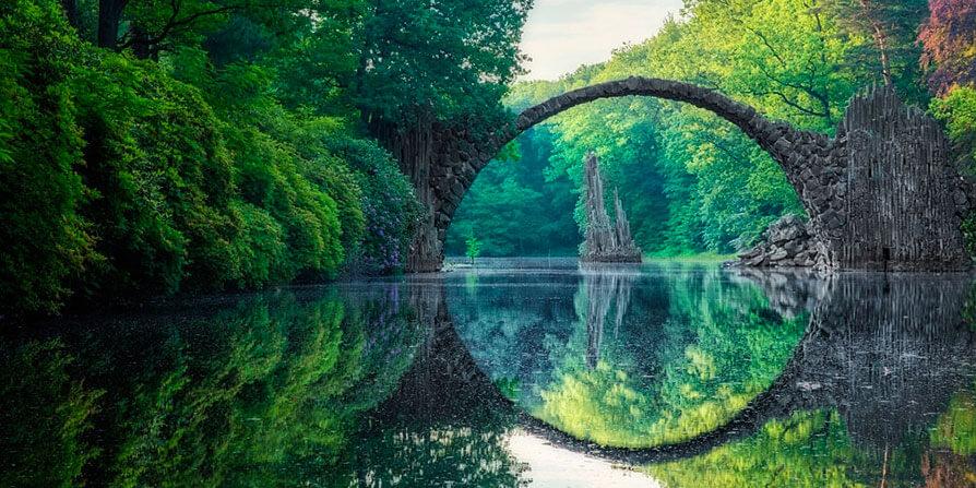 تصویر پل قدیمی سنگی