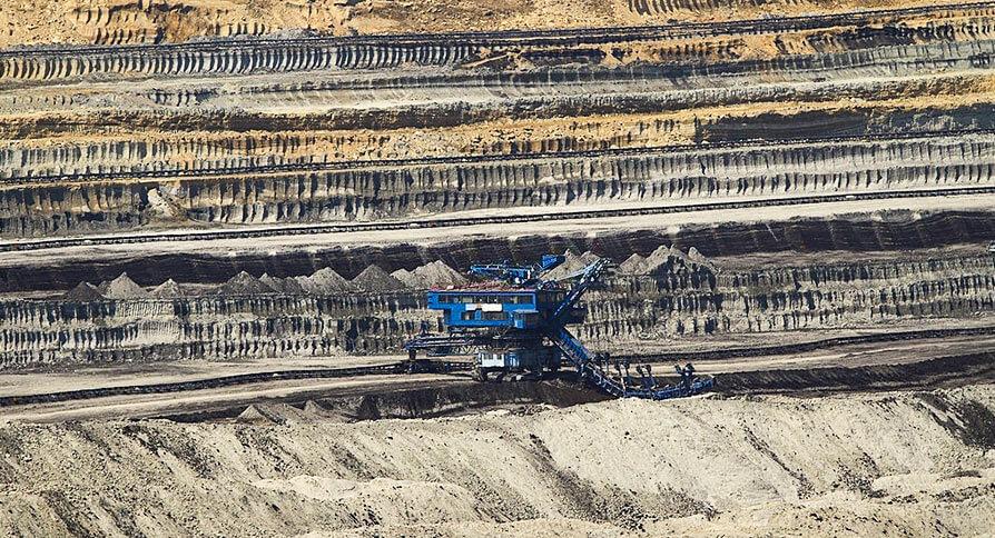 تصویر استخراج سطحی سنگ آهن