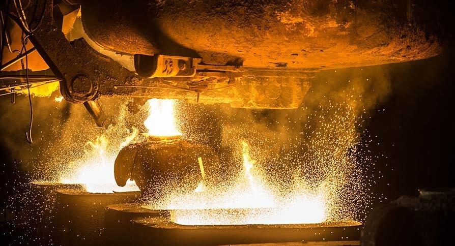 تصویر ذوب سنگ آهن