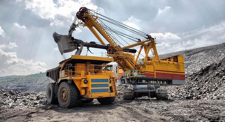 تصویر استخراج سنگ آهن از معادن سطحی